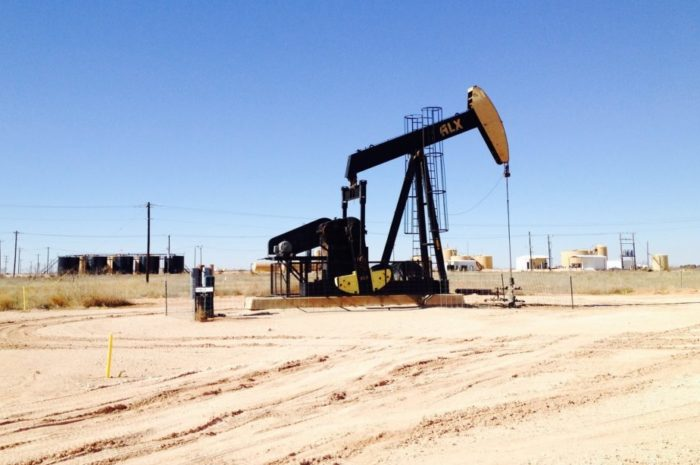 Öl Preis bricht um 300% ein und ist bei -25 US Dollar!